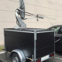 Auto pointing motorized satellite antenna