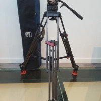 Excellent condition fluid head VIDEO 20 MKII + carbon fiber legs with mid-spreader and quick-lock