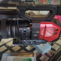 4K camcorder 572 hrs with accessories - Pana warranty until april 2010