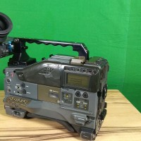 Medium to high hours camera in good working condition WANTED at a great price!