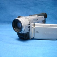 Sony Mini DV camcorder - 3 CCD with large LCD screen