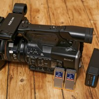 Camcorder with 201 hrs use, provided with cards, charger and batteries