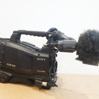 XDCAM HD Camcorder with 1118 hrs - HDVF-20A and Porta-Brace cover