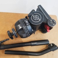 Heavy tripod head + 1 pan-arm bar + flightcase - excellent condition