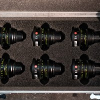 Excellent set of 6 T2 primes and laser road case
