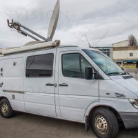 HD DSNG - Dual Thread - 1.5m Antenna - Left Hand Drive