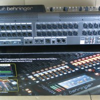 32-Channel 40-Input Professional