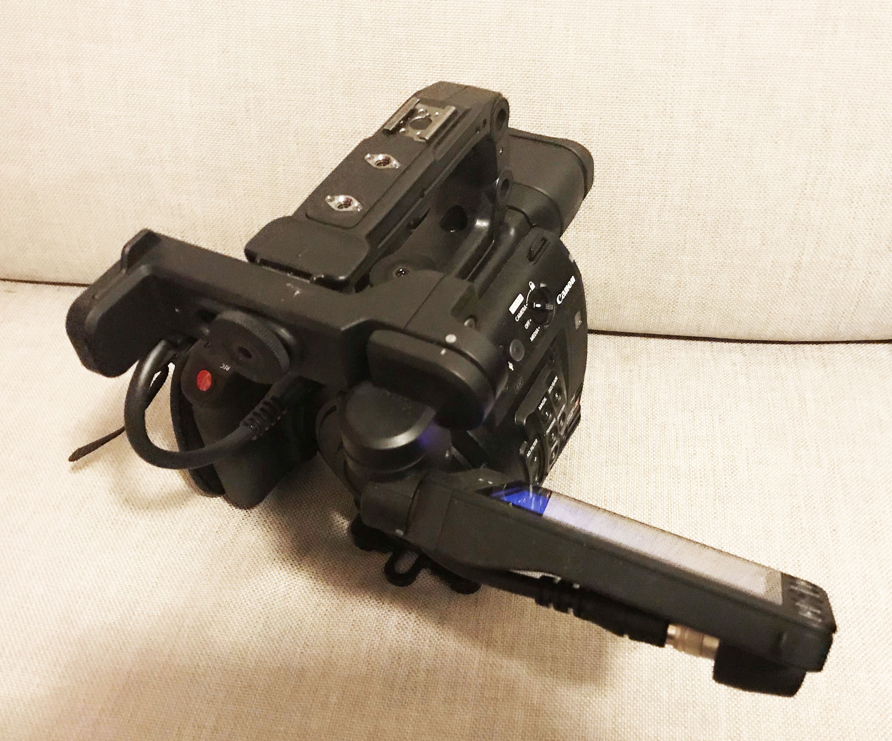 Canon - c200 - Canon c200 with 58 hours bought from CVP (id