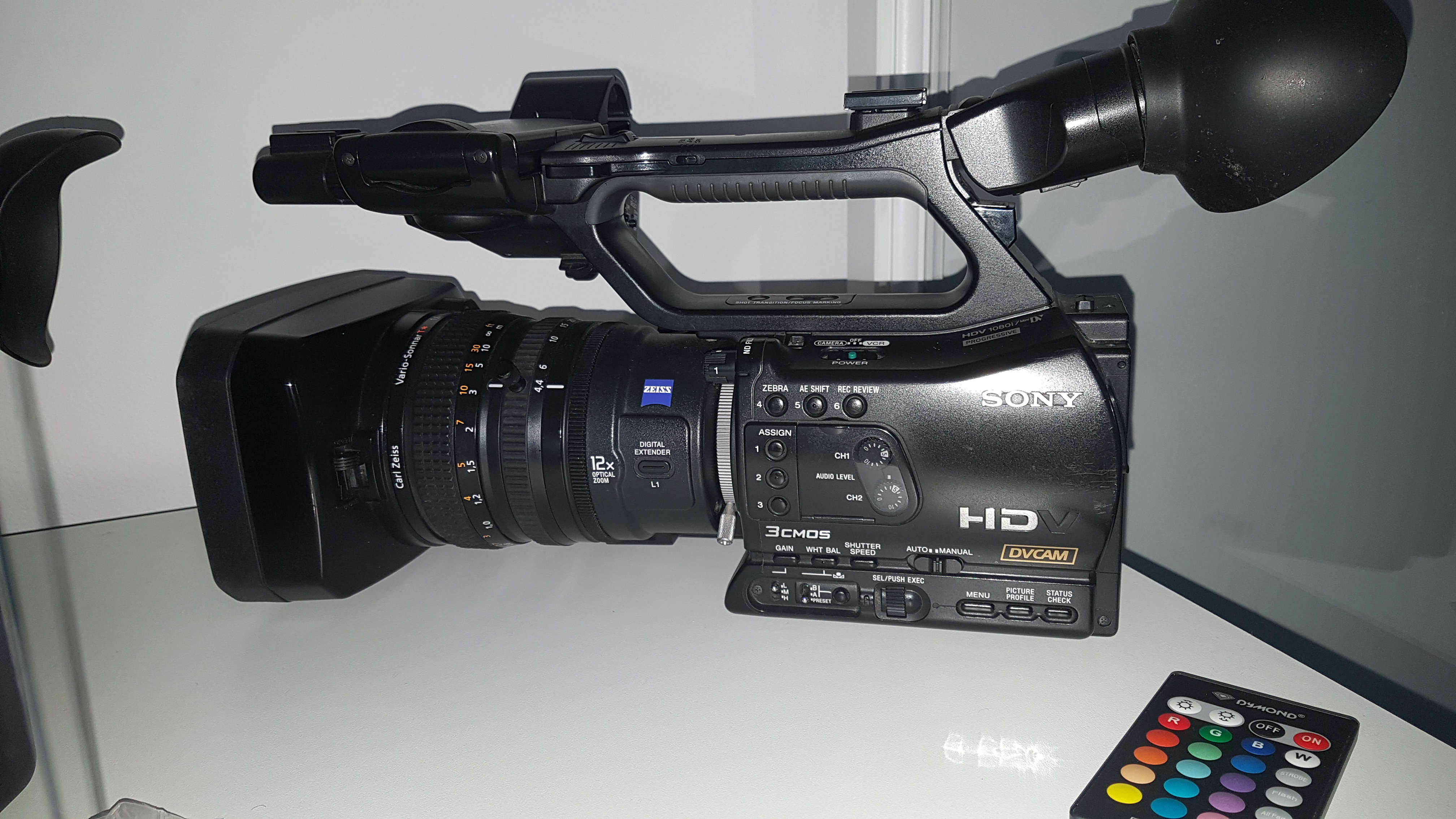Camera sony hvr z7e with hdmi out and zeis lens SONY HVR Z7E - Image #1