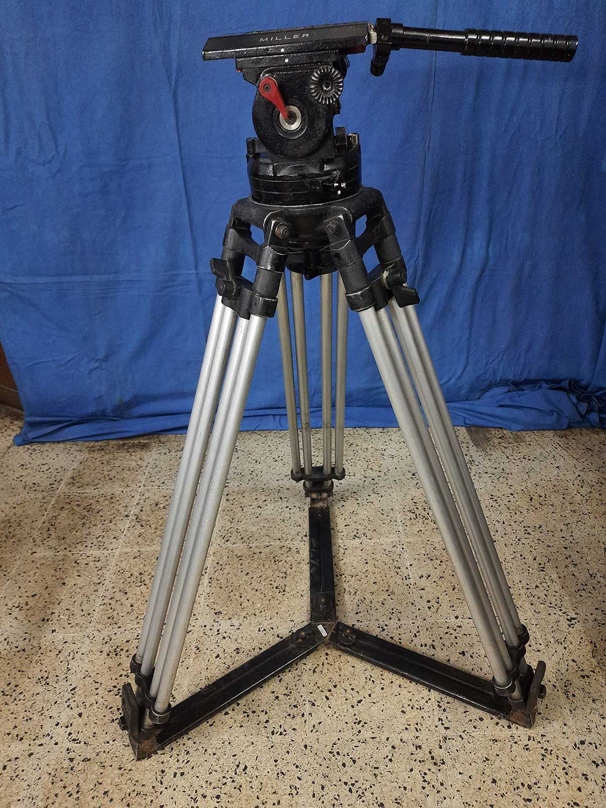 Miller  heavy duty 150 mm bowl size head tripod with very tall legs and spreader. - Image #1