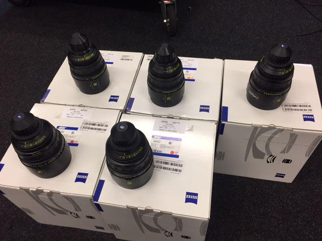 Arri / Carl Zeiss Master Primes (Imperial Scale) - Image #1