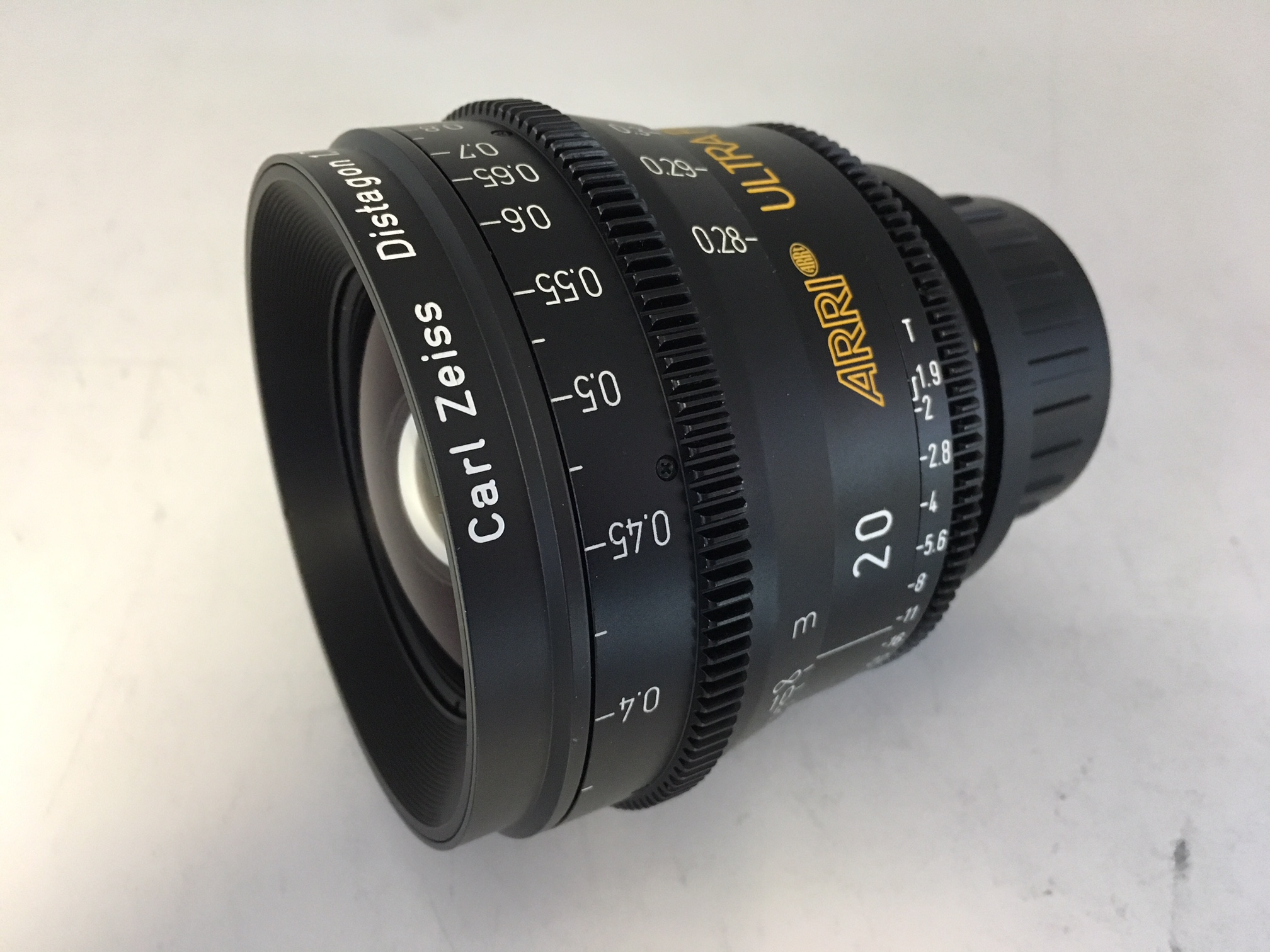 Arri Carl Zeiss   Ultra Prime  - Image #1