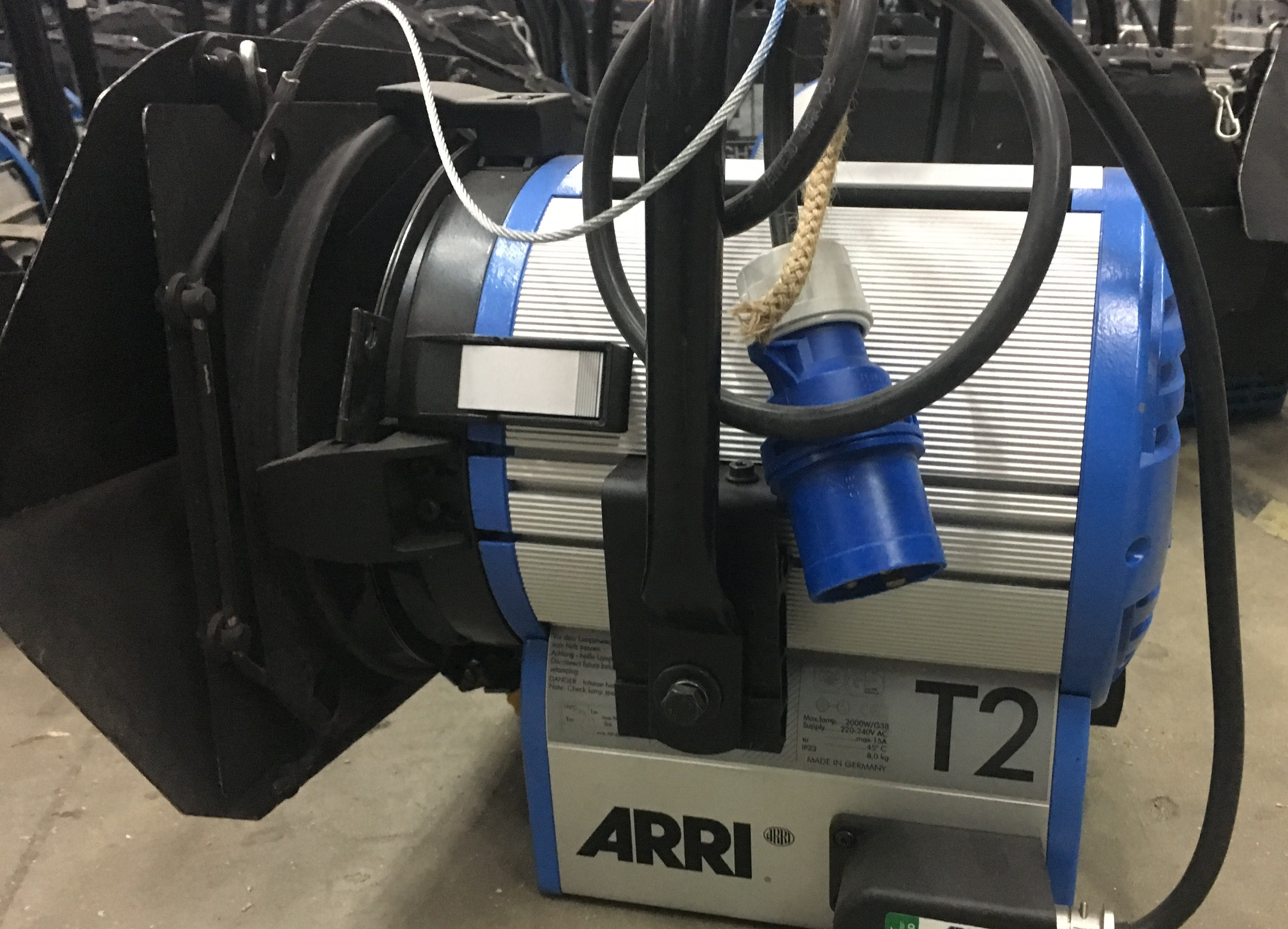 Arri True blue T2 2000w pole operated Used Arri T2 pole op - Image #1