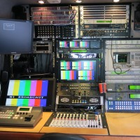 Mercedes HDSDI  mpeg4 + mpeg2 fully redundant 1:1 SNG truck, xicom 400w amps,  - Image #2