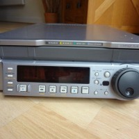GOOD CONDITION MULTIPLE BETA/SP/SX/MPEG IMX/DIGITAL PLAYER