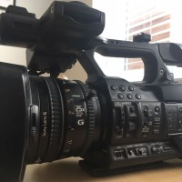 SONY PXW-X180 +2 SXS 32GB + READER + 2 BATTERIES + RAIN COVER