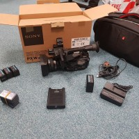 Sony PXW X200 with bag and accessories