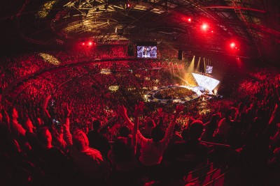Hillsong Conference Sydneys Message Is Loud and Clear With Worlds Largest Bolero Install and MediorNets Highly Efficient Signal Transport