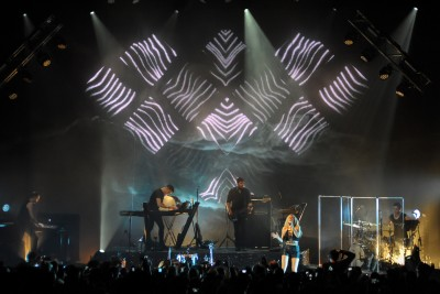 New XL Video Hybrid LED Screen Debuts with Ellie Goulding