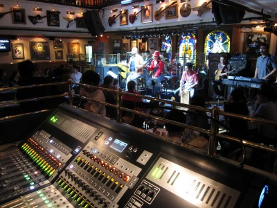 Hard Rock Cafe Singapore Gets In The Mix With Soundcraft Si2