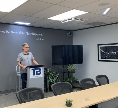 Tod Bush Leadership Center Improves Live, Online Presentations with Brightline Presenter Lighting Kit