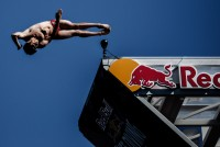 Camera Corps Q-Ball Takes Red Bull Cliff Diving Right to The Edge