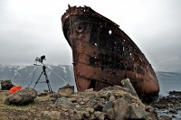 With the Sachtler FSB 6 between ice coasts and a shipwreck